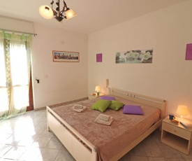 Central Apartment With Wi-fi, Air Conditioning And Balcony; Pets Allowed