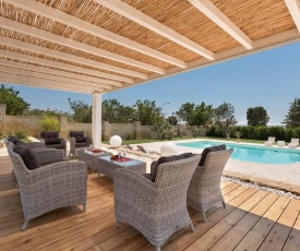 Parabita Villa Sleeps 12 Pool Air Con WiFi