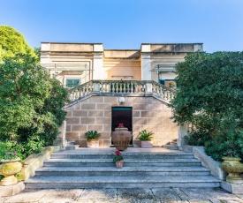 Casarano Villa Sleeps 10 Pool Air Con WiFi