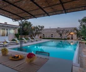 Castellana Grotte Villa Sleeps 8 Pool Air Con WiFi