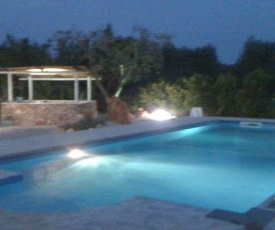 Villetta con piscina Li Cavalieri