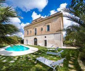 Collepasso Villa Sleeps 13 Pool Air Con WiFi