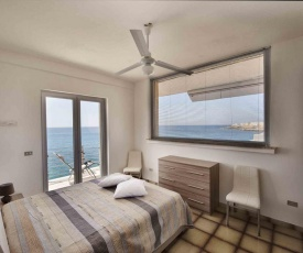 Apartment overlooking the sea with a view of old Gallipoli and the whole bay