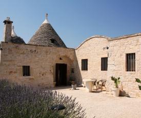 Alberobello Villa Sleeps 6 Pool WiFi