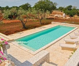 Alberobello Villa Sleeps 8 Pool Air Con WiFi