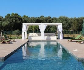 Lizzanello Villa Sleeps 10 Pool Air Con WiFi