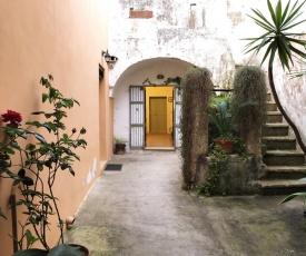 La Casetta Bianca, tipical Salento historic house