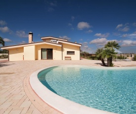 Stunning Holiday Home in Melissano with Swimming Pool