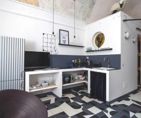 Balloon Design Studio Apartment
