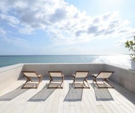 MoMa Suites Private Beach