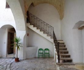 Salento Nardò centro storico con corte antica